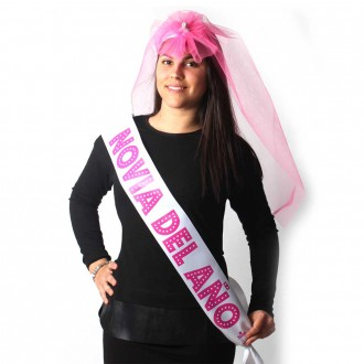 PARTY BAND AND PENIS VEIL ´BRIDE OF THE YEAR´IN SPANISH